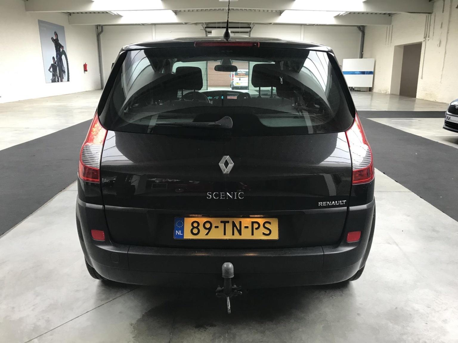 Renault-Scénic-5