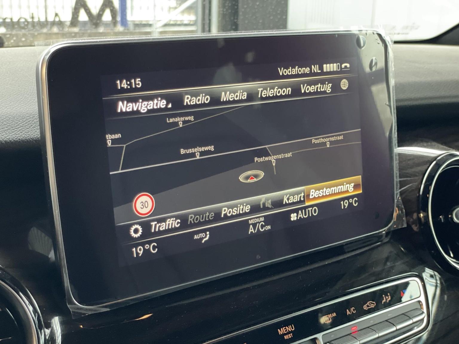 Mercedes-Benz-V-Klasse-15