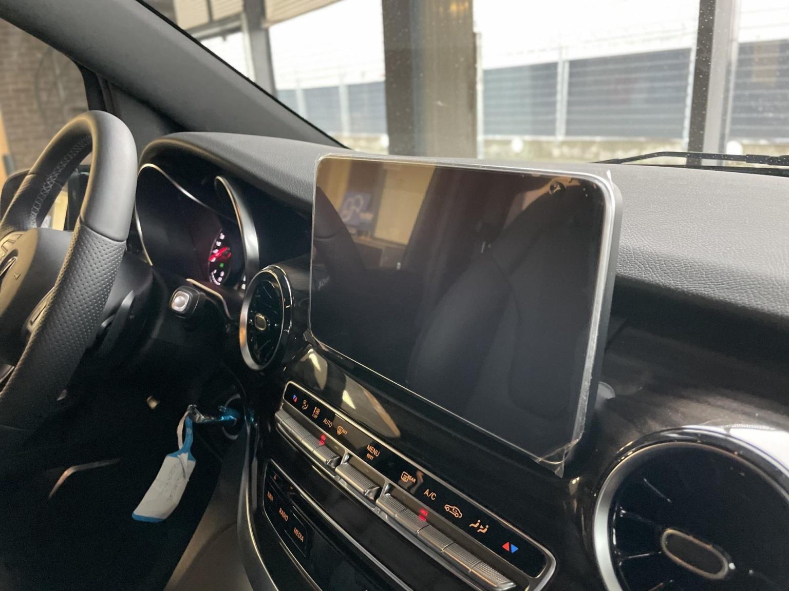 Mercedes-Benz-V-Klasse-10